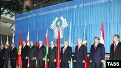 İlham Əliyev və Robert Koçaryan Minskə MDB liderlərinin sammitində iştirak edirlər
