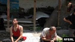 Жители Оша, раненые в столкновениях в ночь на 12 июня