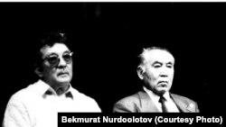 Бексултан Жакиев жана Азамат Алтай (Кудайберген Кожомбердиев). Ысык-Көл, 12-сентябрь, 1995-жыл.