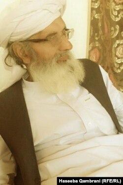 Habibullah Qambrani, Haseeba's elderly father.