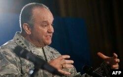 ABŞ-ly general Filip Bridlowe