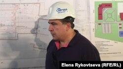 Одесса облысының губернаторы Михаил Саакашвили әуежайдағы жаңа терминал құрылысымен танысуға келді. Одесса, 4 қыркүйек 2015 жыл.