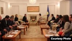 Presidentja Jahjaga gjatë takimit me gazetarët, foto nga arkivi