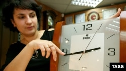 March 31: Most European countries begin observing daylight-saving time in the early morning of Sunday.