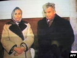 Останні хвилини перед розстрілом. Єлена і Ніколае Чаушеску в ефірі Румунського телебачення. Бухарест. 25 грудня 1989 року.