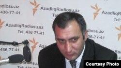 Şərif Ağayar Azadlıq Radiosunun Bakı bürosunda. 4 mart 2010