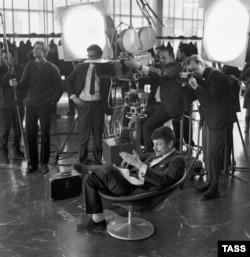 """Anrey Tarkovski """"Andrey Rublev"""" filminin çəkilişində, 1971."""