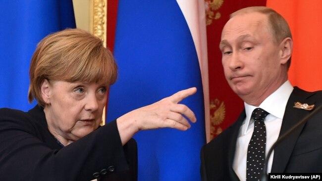Канцлер Німеччини Ангела Меркель і президент Росії Володимир Путін. Москва, 10 травня 2015 року