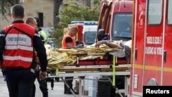 امدادگران در محل مرگبارترین تصادف سه دهه گذشته در فرانسه