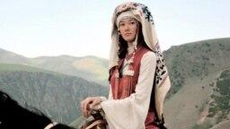 Элина Абай кызы Курманжан датканын ролунда. 2014.