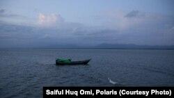 یک قایق حامل پناهجویان روهینگیایی