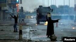 اکثریت جمعیت بحرین را شیعیان تشکیل میدهند اما حکومت این کشور به طور سنتی در اختیار خاندانی سنی است.