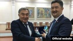 Алмазбек Баатырбеков жана Борий Алиханов.