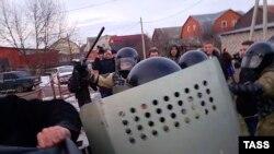 Беспорядки в поселке Плеханово, 17 марта 2016 года