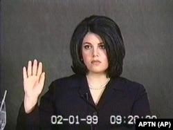 Попытка скрыть отношения с Моникой Левински (на снимке) стала одним из поводов для импичмента президента Клинтона в 1999 году