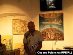 З відкриттям української галереї вітає її власник і керівник Олександр Запрудський