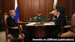 Владимир Путин со Алексеј Лихачев, генерален директор на Росатом, 18 јуни 2020 година
