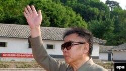 کیم جونگ ایل رهبر کره شمالی خواهان برداشته شدن تحریم های سازمان ملل متحد و آمریکا علیه کره شمالی است
