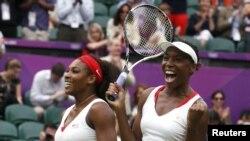 Серена и Винус Уильямс после очередной олимпийской победы