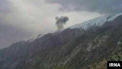 Дим від приватного турецького літака, який розбився в Ірані 11 березня – загинули 11 людей