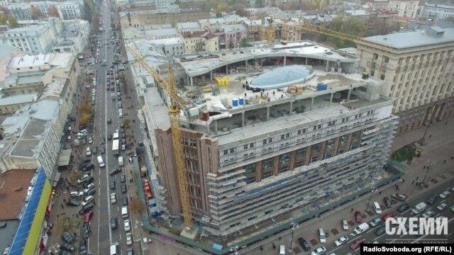 У процесі реконструкції ЦУМу додали два поверхи та розширили його межі