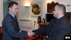 Премиерот Никола Груевски го прими Таулант Цапа, човекот кој фрлаше јајца врз автомобилот на премиерот во Тирана минатата година. Скопје, Македонија, 04.11.2013.