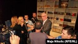 Književnik Milorad Popović u razgovou sa novinarima na Cum granos salis susretima, Tuzla, septembar 2013.