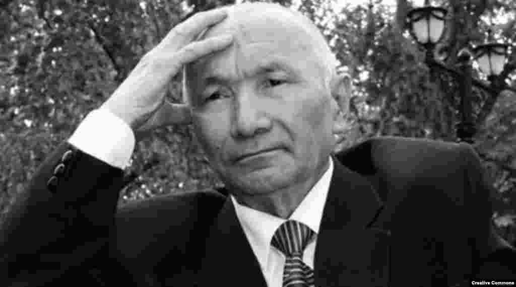 Энгельс Габбасов(1937-2014) – на президентских выборах в 1999 году набрал 0,76 процента голосов избирателей. Писатель, общественный деятель, специалист по русскому языку и литературе. В 1996 году был избран депутатом сената парламента.
