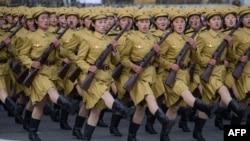 سربازان زن کره شمالی
