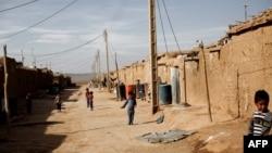 Қароргоҳи паноҳандагони афғон Тараз Ноҳид, як минтақаи воқеъ дар 130 километрии Теҳрон