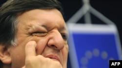 Европа комиссияси президенти Хосе Мануэл Барросо 19 март куни баҳорги саммит якунида иқтисодий инқироздан чиқиш борасида ягона иттифоқ ëндашувининг қабул қилинишига умид билдирди.