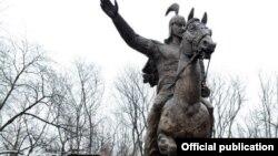 Манастын Москвадагы эстелиги, 24-февраль, 2012.