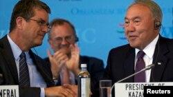 Нурсултан Назарбаев и генеральный директор ВТО Роберто Азеведо. Женева, 27 июля 2015 года