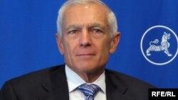 Генерал армії США у відставці, командувач Збройними силами НАТО в Європі (1997–2000) Веслі Кларк