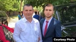 """Фуркат Ватанов, которого рекрутировали в """"ИГ"""" (справа), и его отец Амриддин Ватанов"""