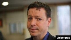 Канададағы «Глоб энд мейл» Еуропа бюросының басшысы Дуг Сондерс.