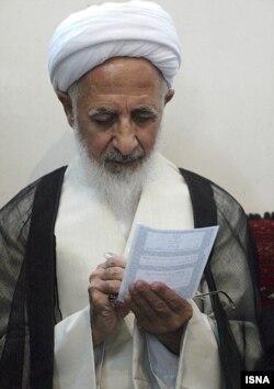 دفتر آیتالله جوادی آملی پس از نزدیک به چهار سال، سکوت را شکست و اصالت فیلم منتشر شده را تأیید کرد