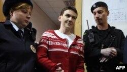 Надежду Савченко ведут на слушания в Басманном суде Москвы 4 марта