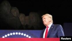 Дональд Трамп выступает в Южной Дакоте, 3 июля 2020