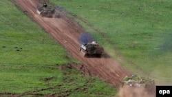 Бойова техніка луганських сепаратистів, архівне фото