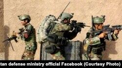 شماری از نیروهای اردوی ملی افغانستان در حال اجرای عملیات