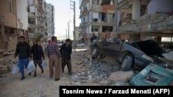 Иранның Керманшах провинциясында жер сілкінісінен кейінгі көрініс. 13 қараша 2017 жыл.