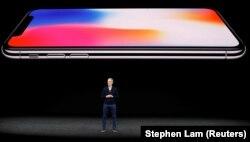 Тім Кук на одній із презентацій компанії Apple