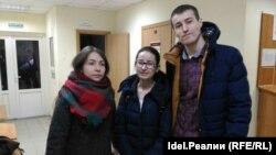 Лиана Янгирова (в центре)