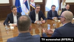 Foto nga takimi i mëhershëm - Presidenti serb Aleksandar Vuçiq me përfaqësuesit e Listës Serbe