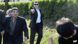 Під час протистояння у прихильника «Свободи» вистрелили з травматичної зброї, 9 травня 2011 року