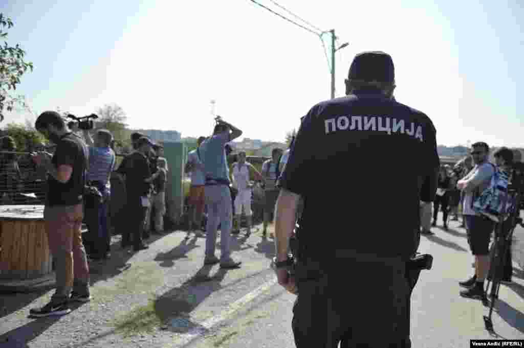 Akcija solidarnosti ispred kuće Timotijevića