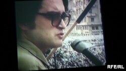 Emil Hurezeanu, Piaţa Universităţii, România, mai 1990.