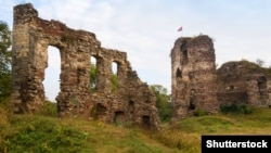 Руїни середньовічного замку в місті Бучачі