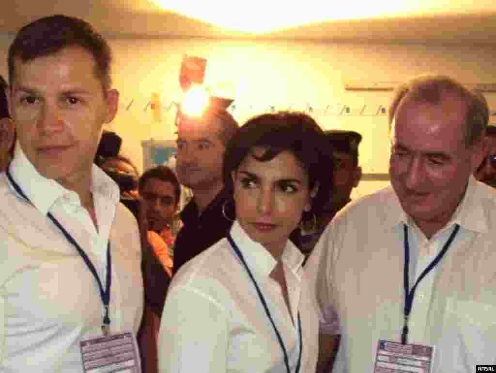 International election observers from the French delegation in Baghdad. (Photo: Radio Free Iraq)